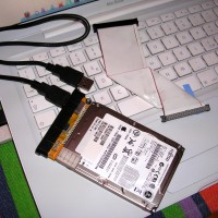 Apple TV hard disk linked to the IDE-USB adapter